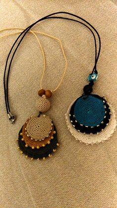Best 12 Flax & Cotton ~ Pendant and earrings ~ Crochet Ornaments – SkillOfKing. Textile Jewelry, Fabric Jewelry, Boho Jewelry, Jewelry Crafts, Jewelery, Crochet Necklace Pattern, Crochet Bracelet, Crochet Earrings, Crochet Ornaments