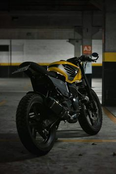Custom Harleys, Custom Bikes, Twister 250, Cbx 250, Honda Cbx, Ducati Cafe Racer, Bike Seat, Cars And Motorcycles, Yamaha Fazer