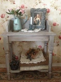 Gypsy Boudoir: French style table display...