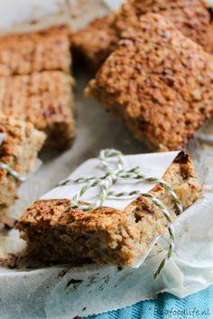 Healthy Baking, Healthy Treats, Recipe Maker, Oat Bars, Breakfast On The Go, Home Baking, Happy Foods, Lunch Snacks, Brownie Recipes