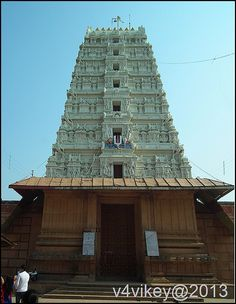 Beautiful Lord Vishnu 's Rangaji Temple, The biggest temple in Vrindavana
