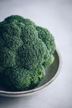 Visit the post for more. Cauliflower Rice Salad, Broccoli Salad, Brocolli, Fresh Broccoli, Healthy Food Choices, Healthy Fats, Nutrients In Broccoli, Gentle Detox