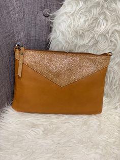 31f6c627d0 9 images populaires de sacs à mains | Bags, Beige tote bags et ...