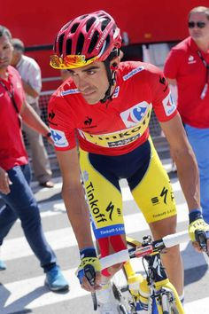 Vuelta a España 2014 - Stage Logroño - Logroño - Alberto Contador (Tinkoff-Saxo) in the red jersey of race leader at the Vuelta a Espana. Cristiano Ronaldo Cr7, Bicycle Race, Pro Cycling, Grand Tour, Road Racing, Courses, Athletes, Photo Credit, La Vuelta