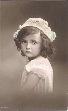 Sad eyes girl, lace hat, British child, antique photo, hand coloured, vintage…