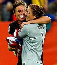 Abby Wambach Hope Solo= two of my fav women soccer players Play Soccer, Nike Soccer, Soccer Cleats, Soccer Sports, Soccer Images, Barcelona Soccer, Fc Barcelona, Soccer Girl Problems, Manchester United Soccer