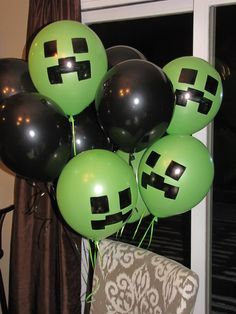 Balloon arrangement for minecraft themed party. To avoid using helium, I'd make the Creeper balloons upside down, hang them all from strings (fishing line? White balloons with white streamers would make great Ghasts as well. 9th Birthday Parties, Minecraft Birthday Party, Birthday Fun, Birthday Balloons, Minecraft Party Ideas, Minecraft Party Decorations, Tangled Birthday, Tangled Party, Balloon Party