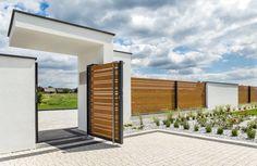 Aluminum Horizon Wood fence by Xcel. House Main Gates Design, House Fence Design, 3 Storey House Design, Modern Fence Design, Facade Design, Architecture Design, Modern Entrance, House Entrance, Victoria House