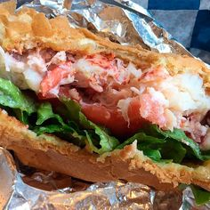 Where to find the best lobster rolls in New England Best Lobster Roll, Lobster Rolls, Kimball Farm, Beach Snacks, Boothbay Harbor, Lobster Recipes, Oyster Bar