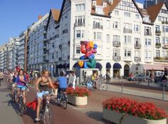 I worked at a clothing store in Knokke-Heist, Belgium while in school.