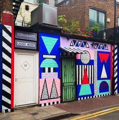Si vous vous êtes promené récemment dans l'East London du côté d'Old Street, vous avez sûrement du remarquer ses motifs géométriques qui envahissent les mu