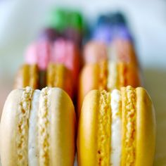 24 Assorted Regular French Macarons - Perfect for tea time Brownie brownie e petit gateau diferença Laduree Paris, French Macaroons, Snacks, Afternoon Tea, Just Desserts, Tea Time, Sweet Tooth, Sweet Treats, Yummy Food