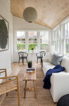 Sunroom Office, Small Sunroom, Home Design, Interior Design, Sun Room Design, Design Ideas, Porch Interior Ideas, Design Homes, Ideas Terraza