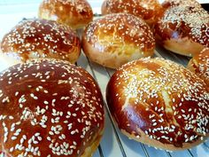 Brioche burgerboller Bread N Butter, Fish Dishes, Food Cravings, Plant Based Recipes, Pulled Pork, Food Truck, Hamburger, Food And Drink, Snacks