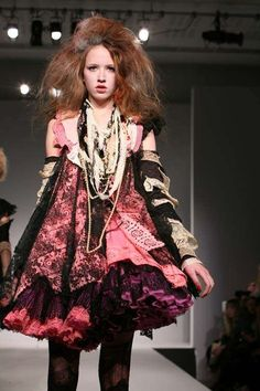 'Victim Fashion' Combines Tatters and Lace for Fall 09 trendhunter.com