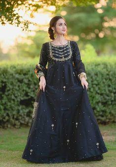 Frock Design, Fancy Dress Design, Bridal Dress Design, Beautiful Pakistani Dresses, Pakistani Formal Dresses, Pakistani Dress Design, Pakistani Fashion Party Wear, Pakistani Wedding Outfits, Indian Outfits
