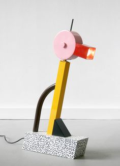 Ettore Sottsass - Lampe Tahiti ( 1981) http://deco-100dec.blogspot.fr/2013/06/comic-trip.html