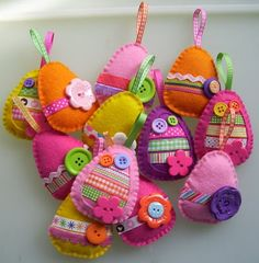 Egg ornaments! I would love to do this with my grandchildren. More fun than dyeing eggs.