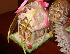 Christmas house with cookies Greek Christmas, Christmas Baking, Christmas Holidays, Xmas, Christmas Houses, Christmas Chocolate, Food And Drink, Cooking Recipes, Sweets