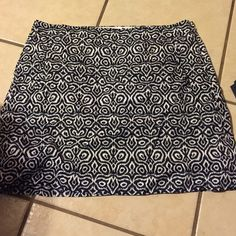 Adorable j crew skirt Super cute abstract pattern runs true to size good condition J. Crew Skirts Mini