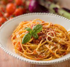 20 συνταγές - ευκολάκια που κάθε φοιτητής πρέπει να ξέρει - www.olivemagazine.gr Recipies, Spaghetti, Pasta, Ethnic Recipes, Food, Gastronomia, Meals, Recipes, Essen