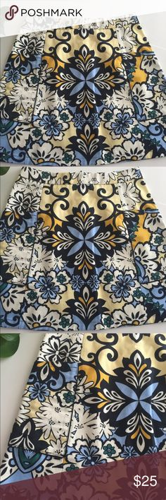 Zara Basics Pattern A Line Skirt W/Pockets Size M ZARA Basics Patter A Line Skirt with Pockets. Great colors and pattern for Fall perfect with tights and a chunky sweater.. Size M. Approx. 8/10 Zara Skirts A-Line or Full