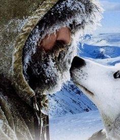 대자연에서 펼쳐지는 환경 다큐 영화 - 마지막 사냥꾼(The Last Trapper, 2004) 정말 아름다운 풍경이 펼쳐진다. 캐나다 북쪽 알래스카를 배경으로 인간과 동물이 함께 살아가는 아름다운 모습니다. 하지만 그 속에서 살아가는 인간과 동물들은 여행자가 아닌 고달픈 삶이다. 우리가 느끼는 아름다운 자연은 단지 눈으로 느끼는 그림과 같다. 우리에게 자..