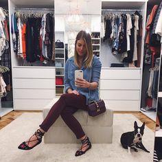 """7,569 curtidas, 38 comentários - Fabiana Justus (@fabianajustus) no Instagram: """"De hoje! Amei a combinação da calça vinho e bolsa roxa ❤️💜 e minha companheirinha @maya_and_nika…"""" Strappy Flats, Jeans, Instagram Posts, Outfits, Closets, Decor, Purple Purse, Armoires, Suits"""
