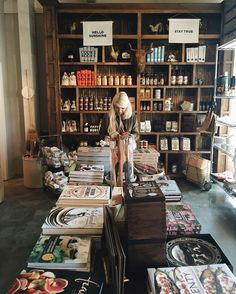 How has it been almost a month since we were in #Nashville? Well today I'm sharing more about our trip -- like our stop at @whitesmercantile where I wanted to take EVERYTHING home!  #goodsonroadtrip #thatsdarling #flashesofdelight by chelseabirdd