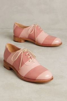 Smith Oxfords - The Office of Angela Scott Oxford Shoes Outfit, Casual Oxford Shoes, Dress Shoes, Dress Clothes, Cute Shoes, Me Too Shoes, Beautiful Shoes, Wedding Shoes, Fashion Shoes