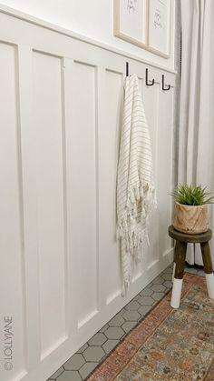 Bathroom Accent Wall, Bathroom Accents, Living Room Accent Wall, Accent Walls, Above Couch Decor, Board And Batten, Dining Room Walls, Wall Treatments, Diy Wall