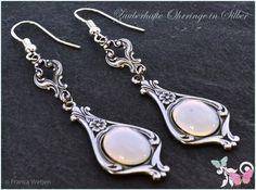 Vintage Ohrhänger - Vintage Ohrhänger SIlber weiß opal oval Glas lang - ein Designerstück von Zauberhafte-Ohrringe-in-Silber bei DaWanda