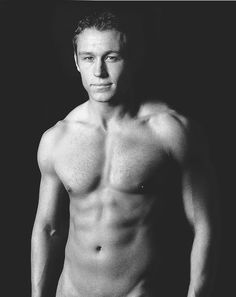 Mmmmmmmmmm English Rugby, Hot Rugby Players, The Sporting Life, Rugby Men, Wet Hair, Good Looking Men, Perfect Man, Young Man, Portrait