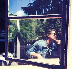 My favorite person caught on a window's reflection in my favorite place, Big Sur Arctic Monkeys, Alex Turner, Taylor Bagley, Monkey Puppet, Window Reflection, Cool Photos, Beautiful Pictures, Grunge, Do I Wanna Know