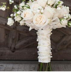 Love this bouquet. I'm thinking white for my bouquet but not set on particular flowers. Would like something simple yet elegant. All White Wedding, Mod Wedding, Floral Wedding, Wedding Flowers, Dream Wedding, Wedding Day, Perfect Wedding, Wedding Pins, White Bridal