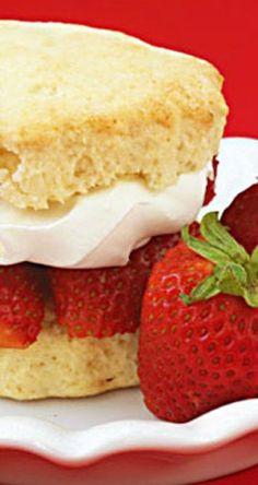 Strawberry Shortcake   gimmesomeoven.com
