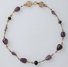 Byzantine - Gold Necklace with Amethysts, Glass Beads, and a Pearl (probably originally had many pearls) - Met Museum - - x x cm Byzantine Jewelry, Renaissance Jewelry, Medieval Jewelry, Ancient Jewelry, Byzantine Gold, Medieval Art, Roman Jewelry, Old Jewelry, Antique Jewelry