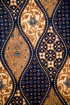 Batik Fabric Design, Bali http://www.silvermessages.com/sterlingsilverjewelry/category/bali-jewelry.html