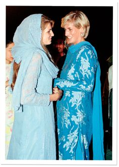 Diana, the Princess of Wales, with her close friend Jemima Khan, on a visit to young cancer patients at a hospital in Pakistan, Photo by Tim Rooke/Rex USA. Princess Diana Family, Royal Princess, Princess Of Wales, Lady Diana Spencer, Tilda Swinton, Princesa Diana, Elizabeth Taylor, Queen Elizabeth Ii, Hasnat Khan