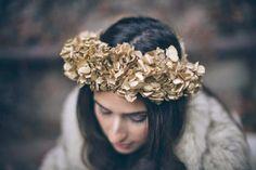 maxi-couronne de fleurs pour la mariée d'hiver