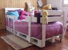 Pallet furniture - Toddler Pallet Bed