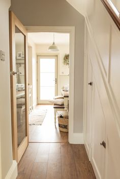 A pic of our modern farmhouse/cottage kitchen diner renovation reveal. - Before After DIY 1930s House Interior Kitchens, 1930s House Renovation, Modern Farmhouse Kitchens, Farmhouse Bench, Kitchen Modern, Country Kitchen Diner, 1930s Semi Detached House, Country Hallway, Hallway Flooring