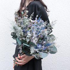 souiさんはInstagramを利用しています:「Bouquet。 オーダーありがとうございます。 . . #ブーケ #ドライフラワー #プリザーブドフラワー #プレ花嫁 #結婚準備 #結婚式準備 #挙式 #披露宴 #お色直し #前撮り #フォトウェディング #ウェディングブーケ #ブライダルブーケ #リースブーケ…」