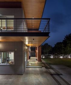 Contemporary House with a Simple Layout Indian Home Design, Indian Home Interior, Home Interior Design, Flat Interior, Door Design, House Design, Brick Columns, Home Design Living Room, Indian Homes