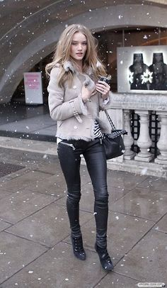 Rosie Huntington-whiteley Love The pants & coat