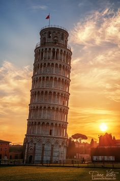 Leaning Tower of Pisa in the golden light, Italy by LinsenSchuss on DeviantArt