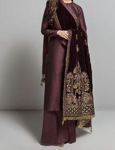 Beautiful Pakistani Dresses, Pakistani Formal Dresses, Pakistani Fashion Party Wear, Pakistani Dress Design, Pakistani Outfits, Indian Outfits, Casual Indian Fashion, Indian Fashion Dresses, Indian Designer Outfits