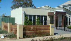 clôture de jardin en bois verticale de design moderne