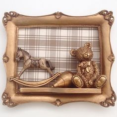 Para anunciar a chegada do seu rapazinho... Porta Maternidade Brinquedos!!! #babydeluxe#enxoval#maternidade#quadro#decor#quartoinfantil#mãedemenino#portamaternidade