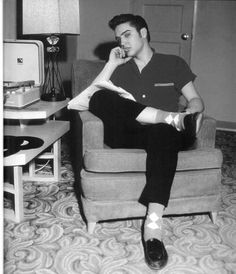 Elvis listenin to music